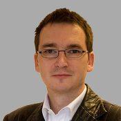 Robert Lochner1